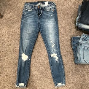A&F ankle jeans size 25 SHORT